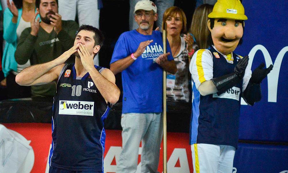 Juan Espil en su último partido en Bahía