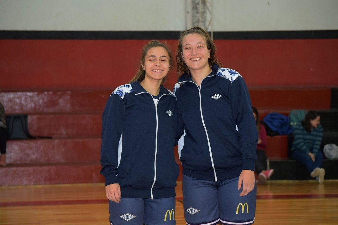 Martina Caputo y Josefina Brossard (Estudiantes)