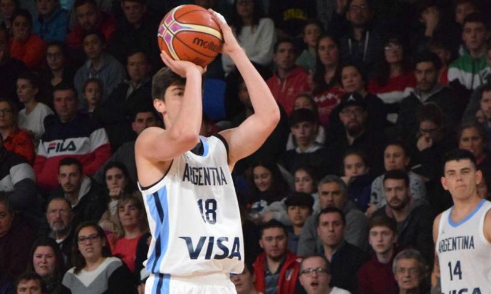 Federico Elías jugando con la Selección Argentina mayor en el Dow Center